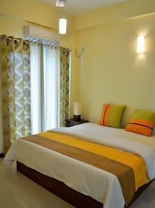 Elegant Room Bordering Colombo - Dehiwala-Mount Lavinia - Apartemen