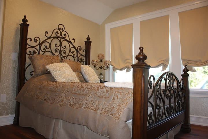 The Verona Room in Kissimmee's Original B&B