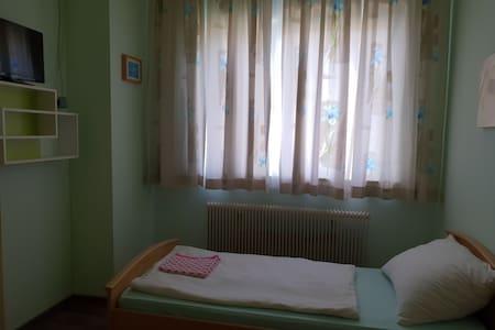 Zimmer nr 5