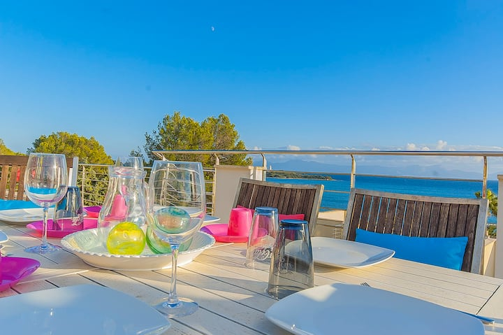 Beautiful Villa in Alcudia with a spectacular view of the sea and private pool