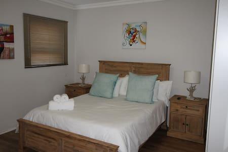 Le Reve Selfcatering Rooms - Kleinmond - Dům
