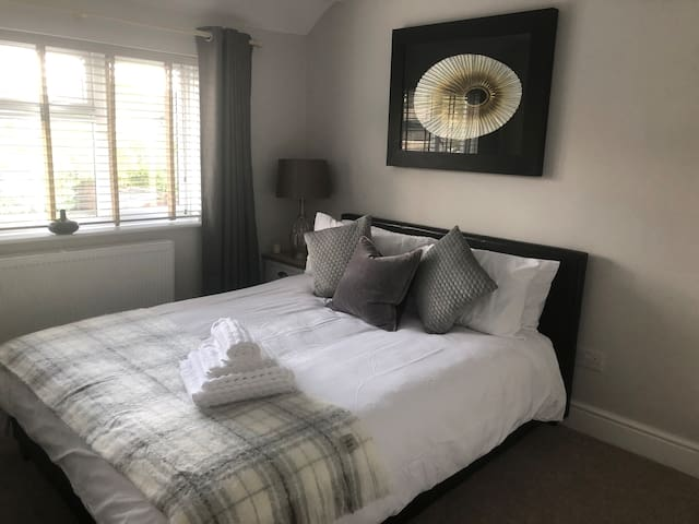 Double Room  - King sized bed  - En-suite