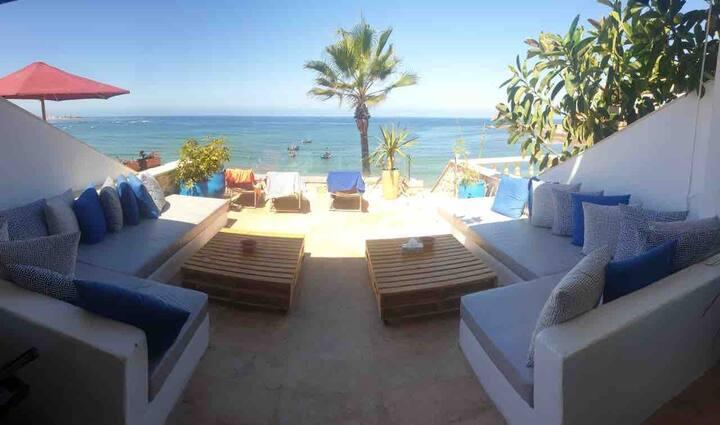 Grande Villa pied dans l'eau à Bouznika Plage