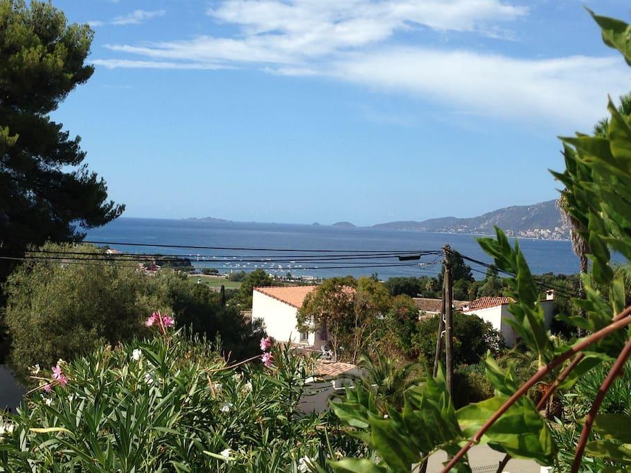 Très belle vue mer sur golfe d'Ajaccio et les Iles Sanguinaires