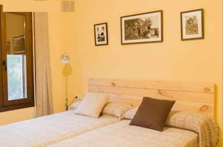 Pou de Beca - Habitación dos camas 4