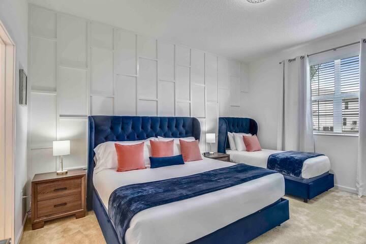 BEDROOM IN  FAMILY HOUSE-Coastal Home