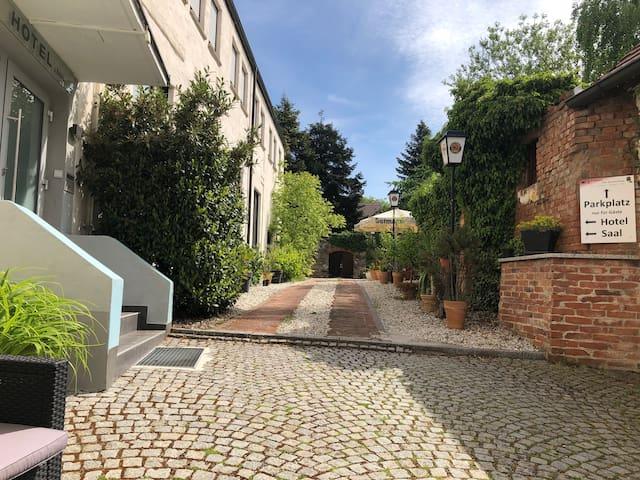 City-Mini-Apartment (17) Herzogeaurach el-castano