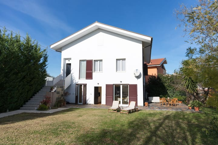 "Guest House "" LE ACACIE"" - Spoltore - House"