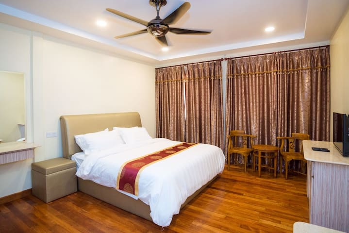 Deluxe Getaway for Couples by PeppaVille - Bentong - Nature lodge