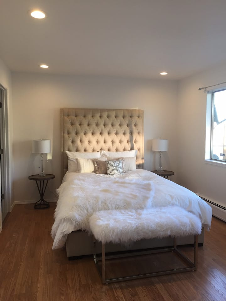 Beautiful Private Bedroom in SF Ship Yard Area