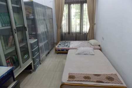 Private Room with twin Soft bed - North Jakarta - Bed & Breakfast