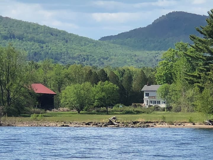 Maguire's Great Sacandaga Lake B&B-lakeside