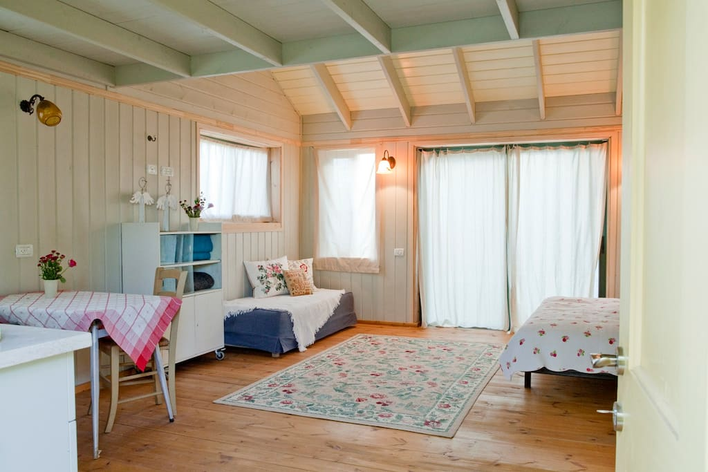 wooden cabin- shabby chick