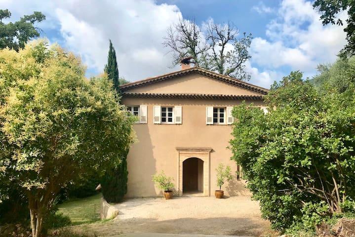 Super Magagnosc, studio indépendant dans villa