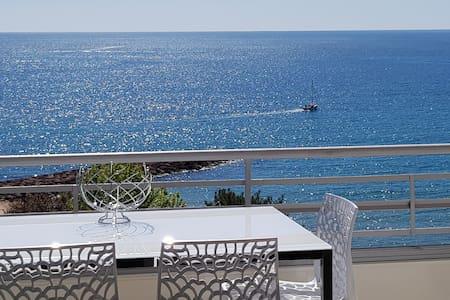Mandelieu la Napoule vue mer panoramique 4 pers.