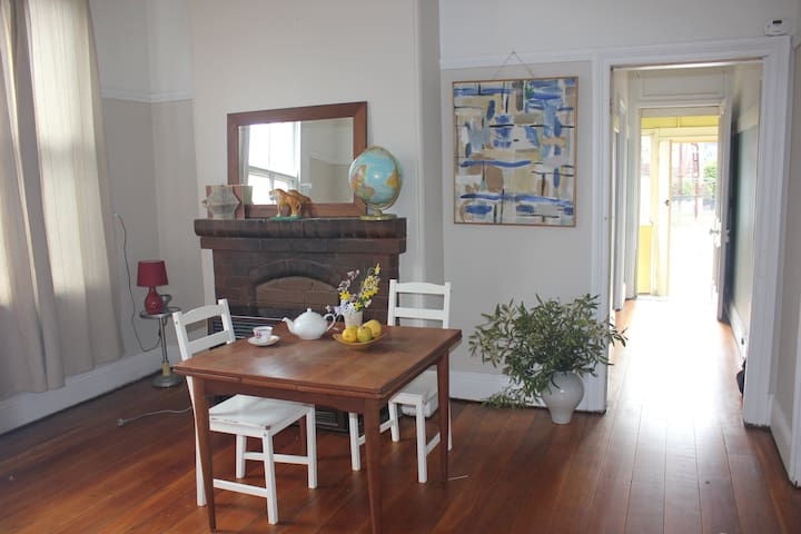 Country Town Lithgow Cottage