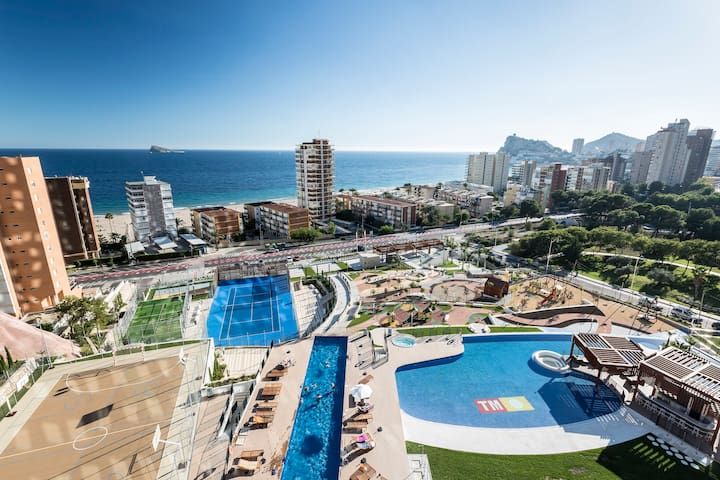 Modern and exclusive 1 bedroom apartment with amazing sea views in Playa de Poniente, Benidorm
