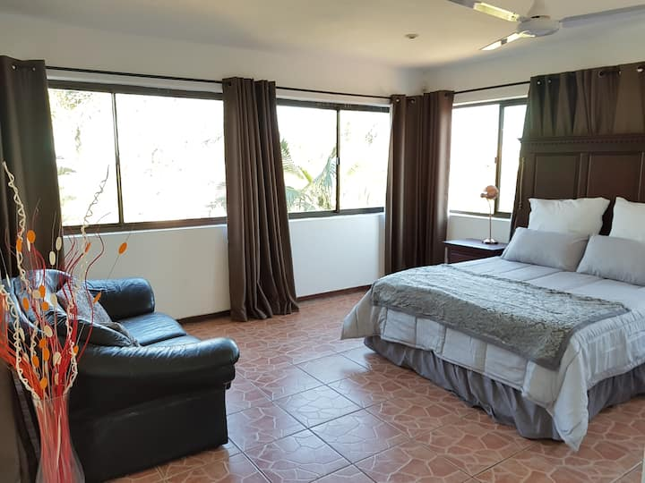Room 4 Self-Catering, Cowies Hill Pinetown/Durban