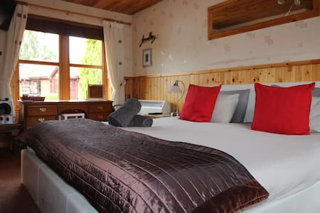 Affordable luxury-private en suite with super king