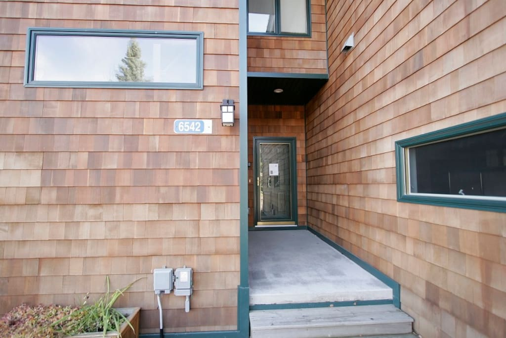 Come on in and enjoy your North Shore vacation at Aspenwood 6542.