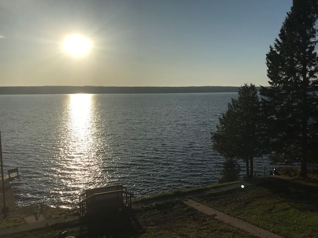 Beautiful Lake Gogebic Hotel Room Get Away