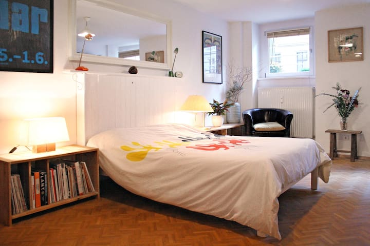 Central, cosy and airy apartment in Kreuzberg