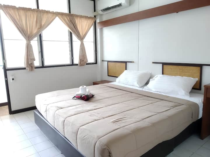Budget Air Conditioning Private Room Double Bed