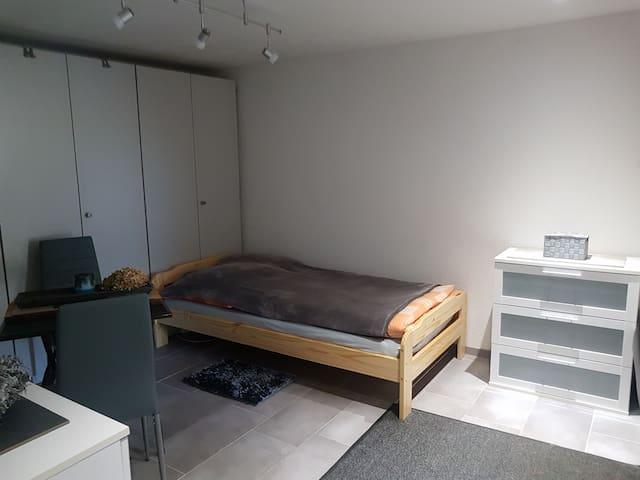3.Zimmer mit 1 Bett ohne TV