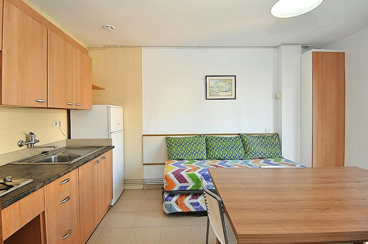 Apartment Plus. 2/4 people. Very close to мar.