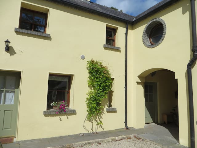 Cosy coach house - Rathvilly - Casa