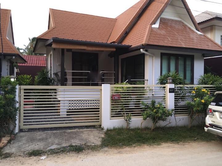 2 bedroom western style house in Maenam