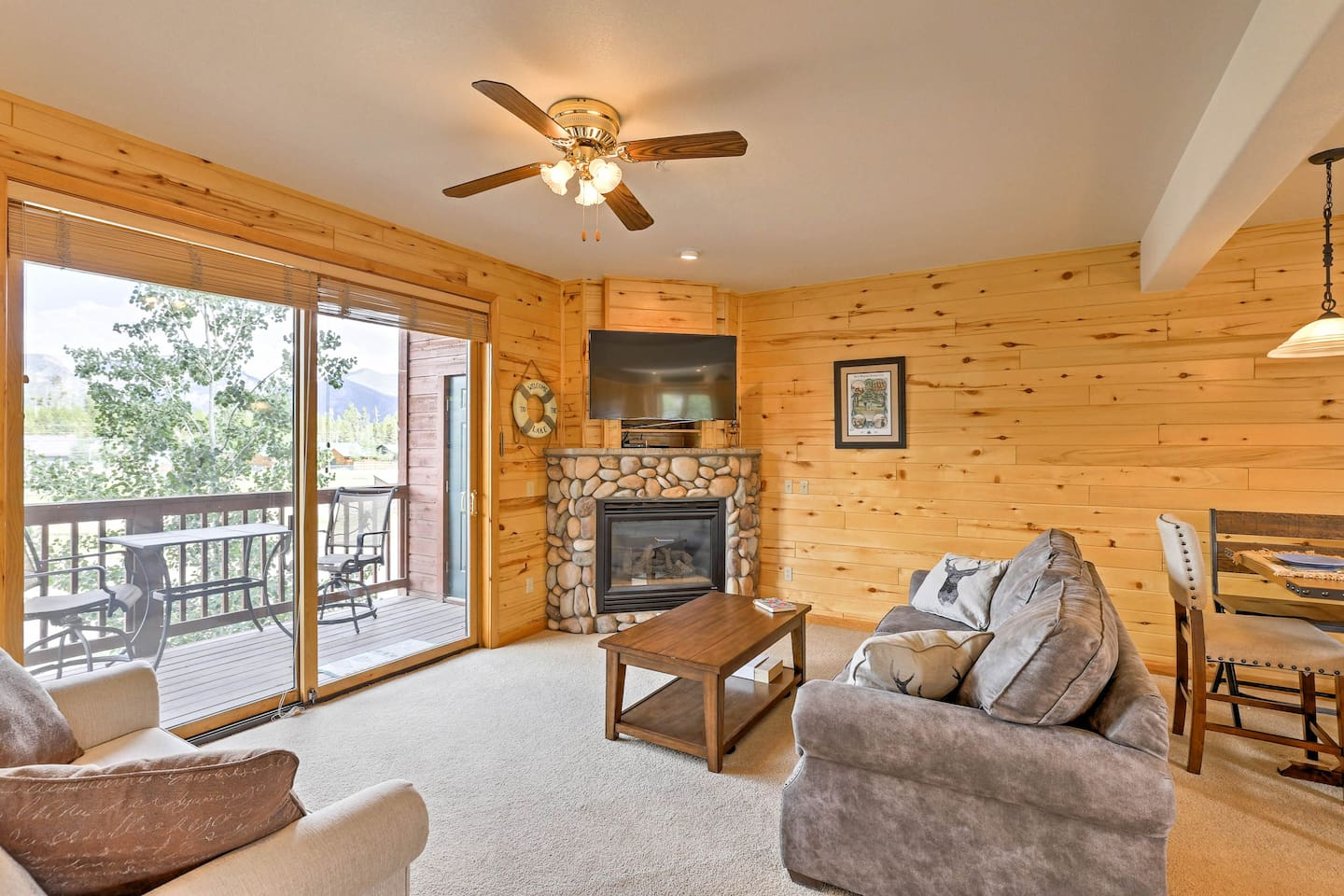 Experience the beauty of Grand Lake from this charming vacation rental condo.