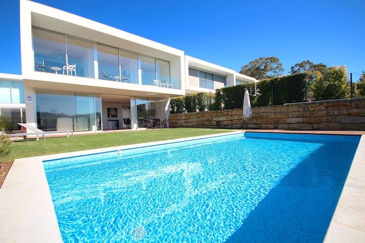 Bacuri White Villa, Lourel, Sintra