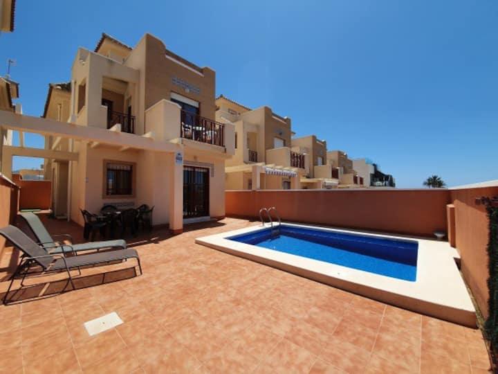 3 Bed, 2 Bath Luxury Villa, Near Beach