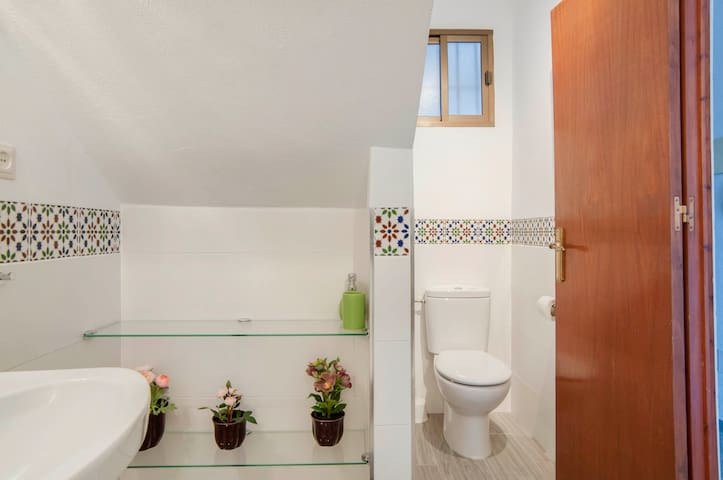 Traditional Spanish tile decorates the area