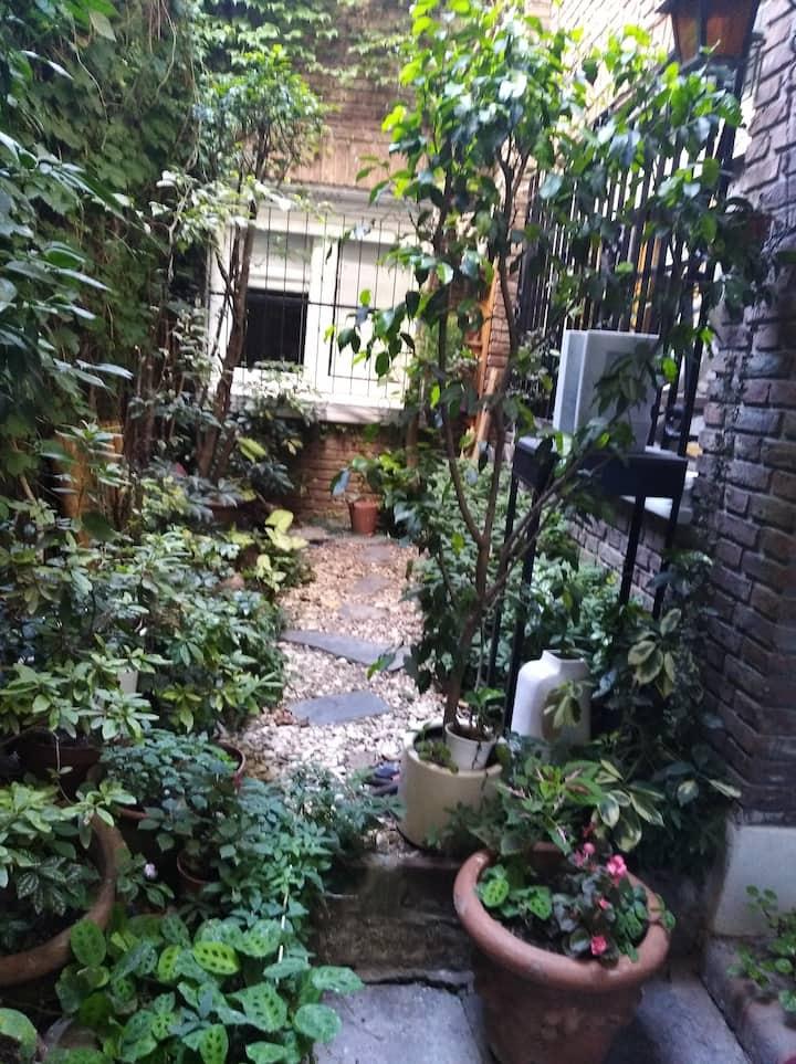 Habitación amplia y luminosa, barrio de Belgrano