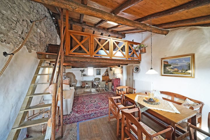 Authentic Village in Beautiful Scenery - Rustic Casa al Ponte