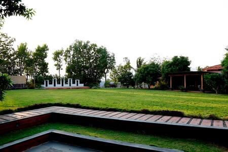 Clean and Beautiful Farmhouse - Mahabaleshwar - Villa