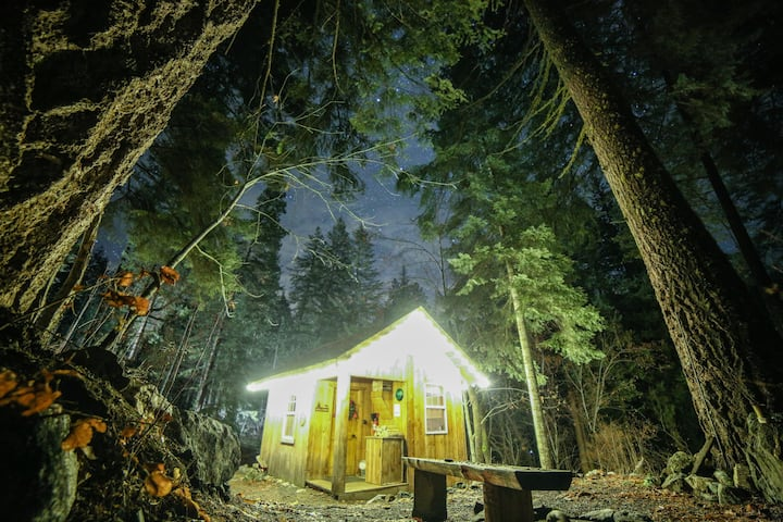Hansel Creek Cabin +150 Acres * Dog Friendly!