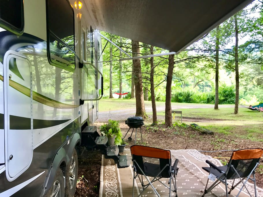 The camper offers a peaceful setting with amazing views.