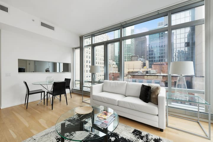 Midtown One Bedroom near Tourist Attractions