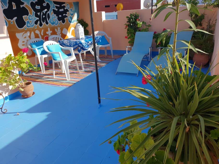 Sunbathe on the private roof terrace