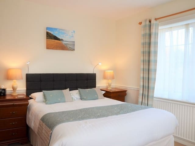 Lovely Double Premium Kingsize room with Ensuite