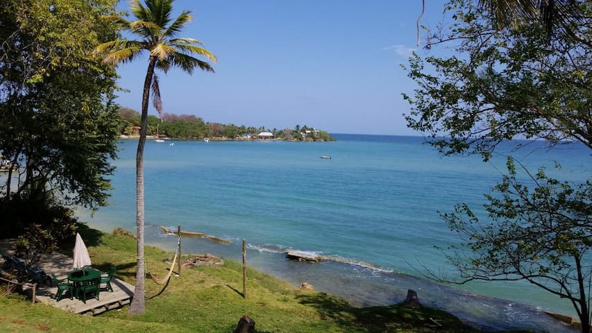 Unlugar Eco Hotel - Cabaña frente al mar