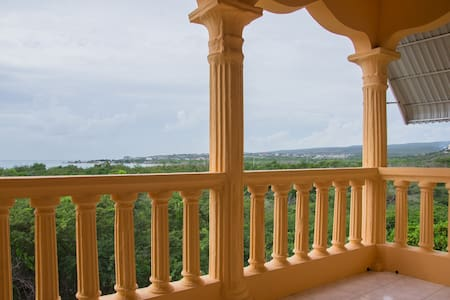 Balcony Ocean View/Steps Away From Beach/Portmore - Hellshire