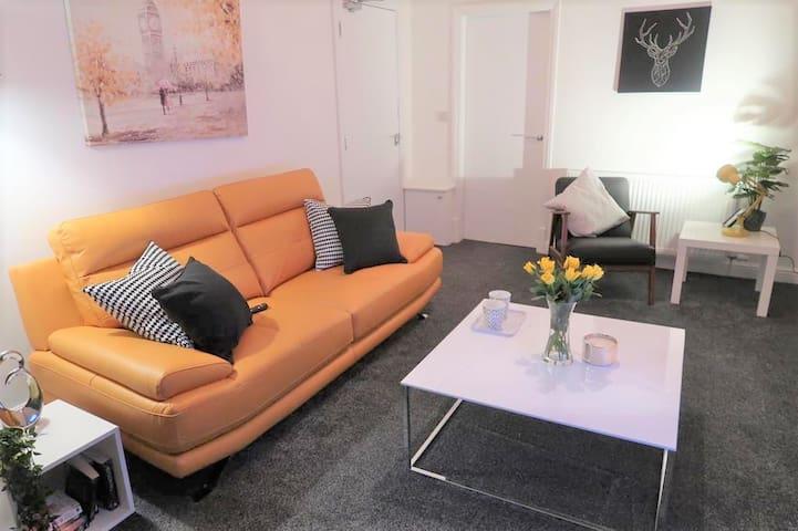 Newly refurbished 2 Bedroom Apartment - Blackpool