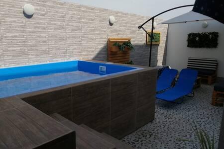 Casa Campo  a 3km del  Mar, en hermoso condominio