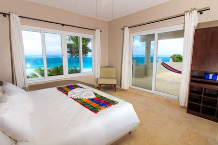 Luxury 5 Rooms House, Private Beach, All Sevices. - Tulum - House
