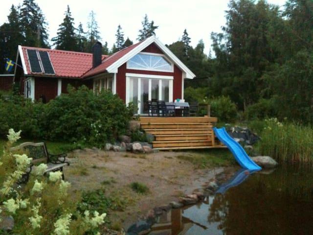 Stuga med egen strand i Furuvik - Gävleborgs län - Dům
