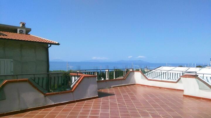 Casa vacanza da Gina Gliaca ( Ampia terrazza)